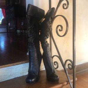 Jessica Simpson boot.